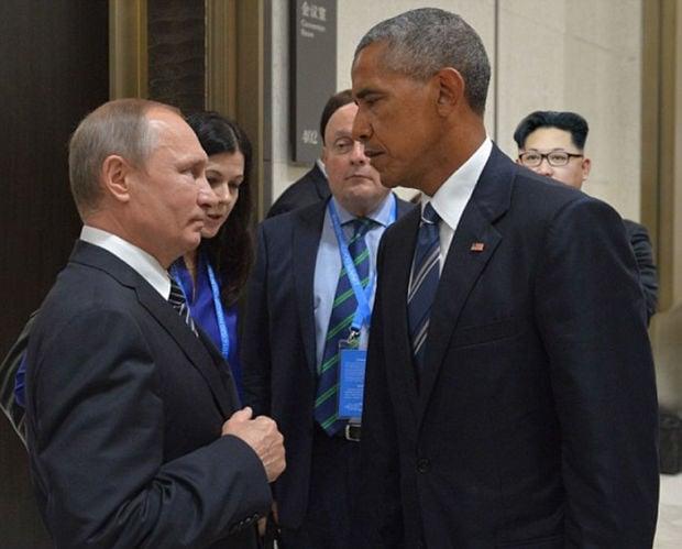 Putin Obama Stare Fight 06