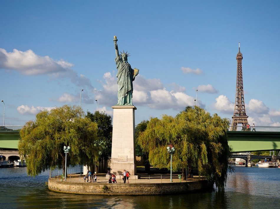 Statue of liberty Paris