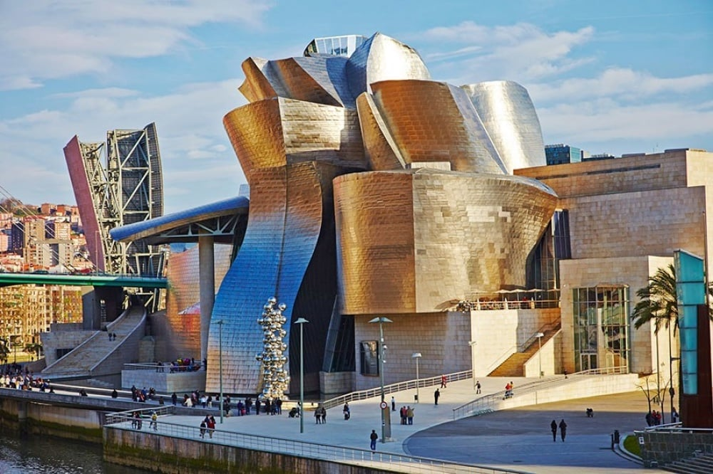 20 Extraordinary Buildings Around The World 07